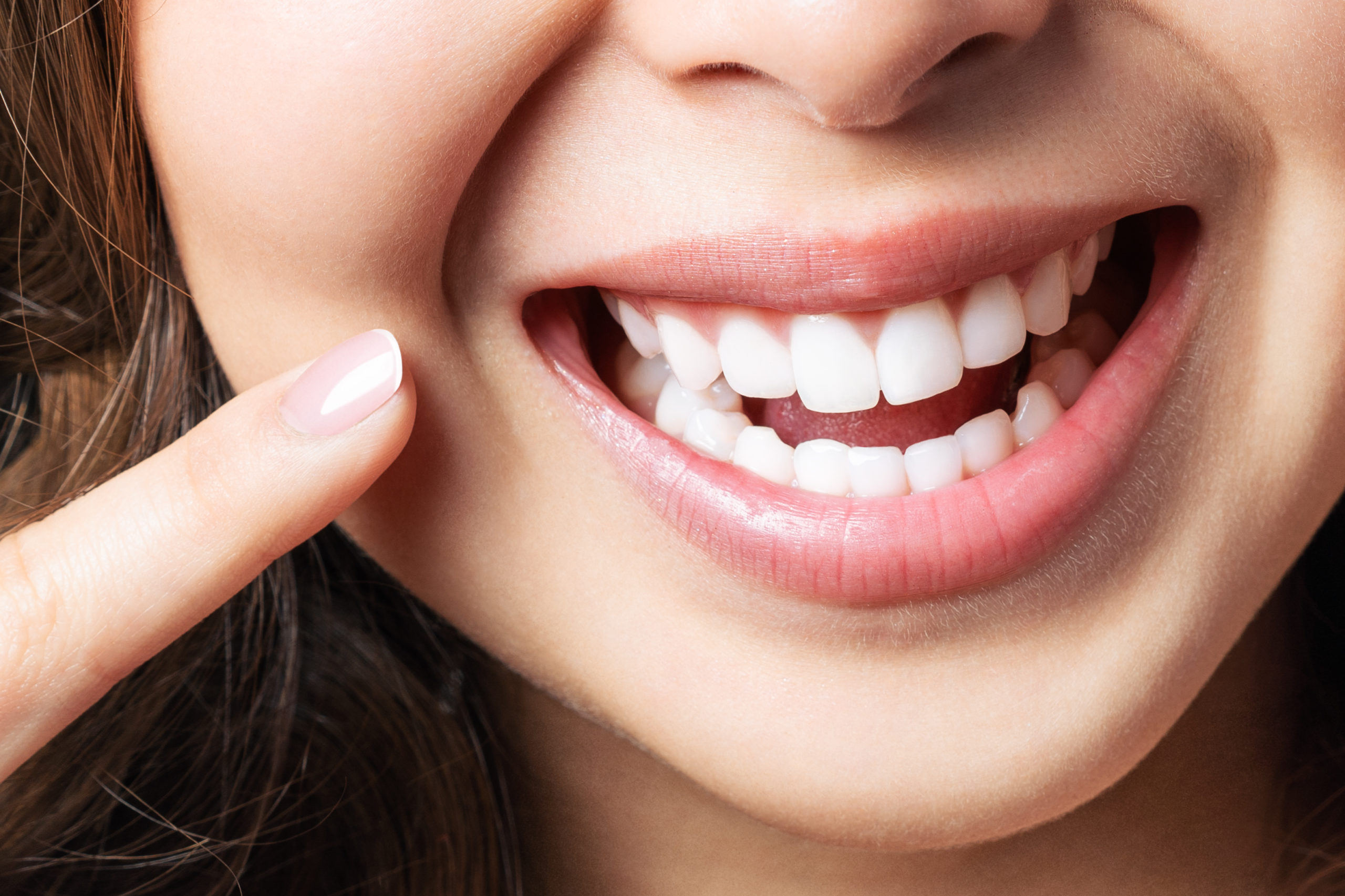 Can Teeth Whitening Be Used In My Smile Makeover? kensington court clinic